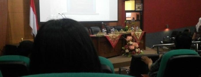 Kantor Wilayah Perbendaharaan Provinsi Jawa Timur is one of Government of Surabaya and East Java.