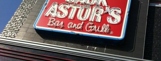 Jack Astor's Bar & Grill is one of Posti che sono piaciuti a Selena.