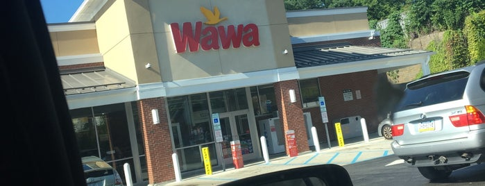Wawa is one of Lugares favoritos de Christopher.
