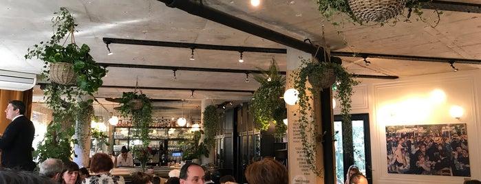 Le Moulin de la Galette is one of Vivien : понравившиеся места.