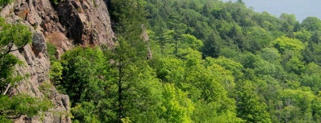 Porcupine Mountains Wilderness State Park is one of Tempat yang Disukai Bert.