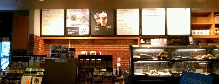 Starbucks is one of Ashley 님이 좋아한 장소.