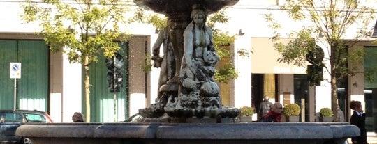 Piazza Fontana is one of arte e spettacolo a milano.
