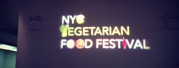NYC Vegetarian Food Festival is one of Tempat yang Disukai Brian.