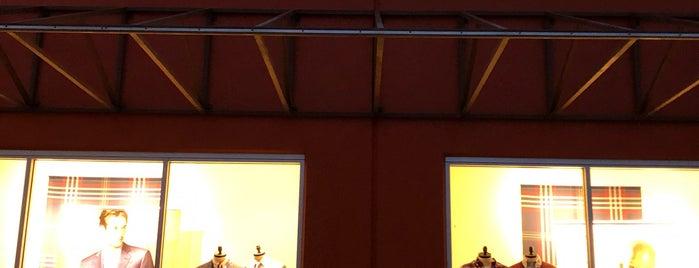 Brooks Brothers Outlet is one of Sergio M. 🇲🇽🇧🇷🇱🇷'ın Beğendiği Mekanlar.