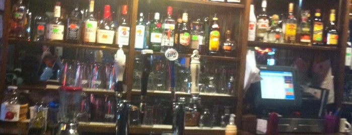 Squire's Pub is one of Dinah'ın Beğendiği Mekanlar.