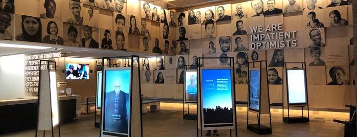 Bill & Melinda Gates Foundation Visitor Center is one of Seattlite.
