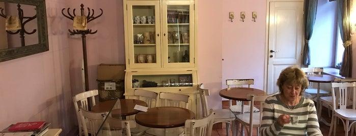 Čokoládová cukrárna is one of Navštiv 200 nejlepších míst v Praze.
