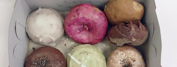 Donut Farm is one of Orte, die Jaden gefallen.