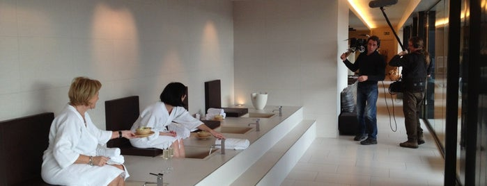 Carbon Sense City Spa is one of Nearby.