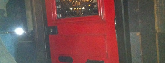 Little Red Door is one of Paris Tipsy !.