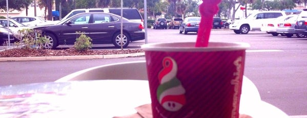 Menchie's is one of Posti che sono piaciuti a Annette.