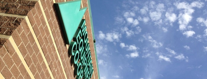 MEC Calgary is one of Tempat yang Disukai Leigha.