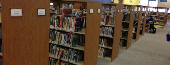 Norwalk Public Library is one of Pablo : понравившиеся места.