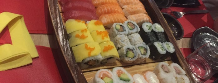 Hoshi Hoshi Restaurant Japonais is one of Angela'nın Beğendiği Mekanlar.