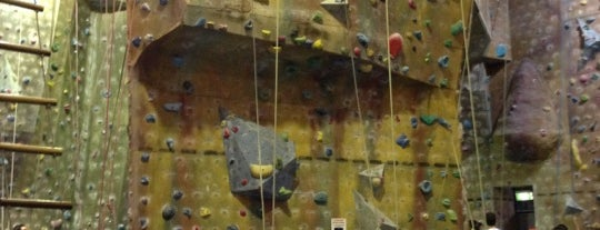 Climb Fit is one of Tempat yang Disukai Matt.