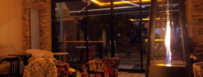 İstasyon Cafe is one of imza.