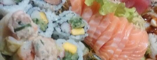 Hoken Sushi is one of Locais curtidos por Romulo.