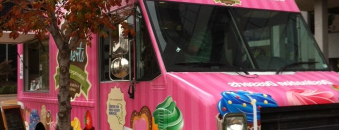 Destination Desserts is one of STL Food Trucks.