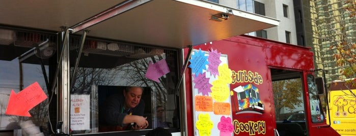 Curbside Cookery is one of STL Food Trucks.