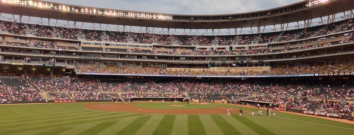 Target Field 130 is one of Lieux qui ont plu à Camila.