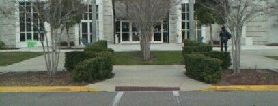 Florida State College at Jacksonville (Deerwood Center) is one of Lieux sauvegardés par Tasha.