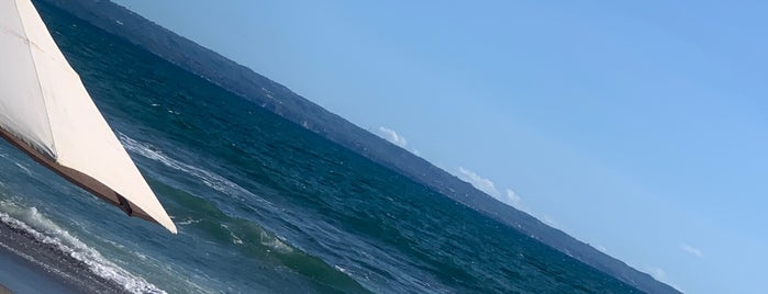 Cantina Beach is one of สถานที่ที่ mika ถูกใจ.