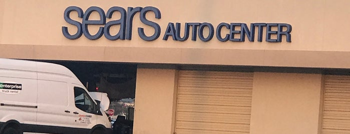 Sears Auto Center is one of Tempat yang Disukai Lauren.