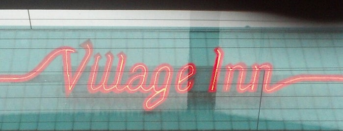 Village Inn is one of Jamie'nin Beğendiği Mekanlar.