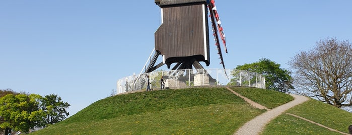 Sint-Janshuismolen is one of Oliver'in Kaydettiği Mekanlar.