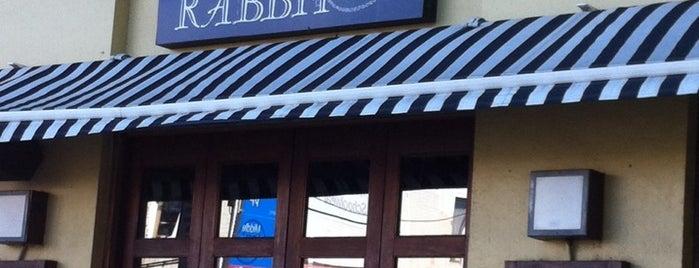 White Rabbit Restaurant is one of Desayuno.