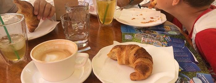 L'Angelique Cafe is one of Posti che sono piaciuti a Katya.