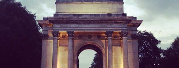 Wellington Arch is one of Spring Famous London Story.