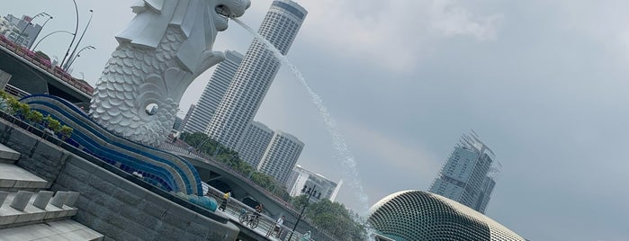 Merlion Park is one of Singapore.