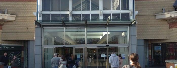 Lakeside Shopping Centre is one of Lieux sauvegardés par Ramon.