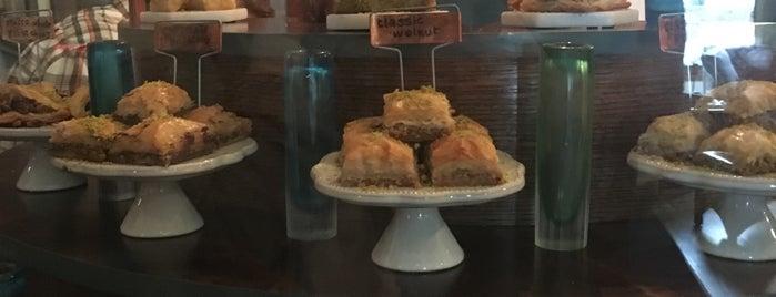 Aleppo Sweets is one of Lieux qui ont plu à Jacquelin.