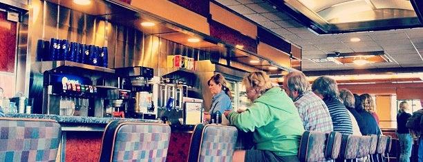 Baker's Diner is one of Tempat yang Disukai Matt.