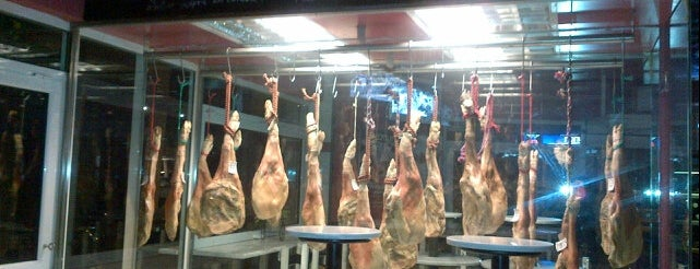 Jamon Pintxos bar is one of Live in Athens.