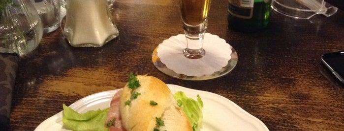Café Au Chat Noir is one of สถานที่ที่ Veronika ถูกใจ.