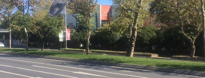 Yildiz Teknik Universitesi Sabanci Kutuphanesi is one of Istanbul Kütüphaneleri.