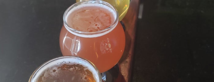 Cypress Brewing Company is one of สถานที่ที่บันทึกไว้ของ Zach.