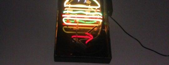 バーガージョイント is one of New York burgers.