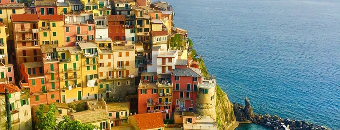 Marina di Manarola is one of anna e selin.