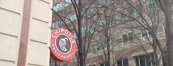 Chipotle Mexican Grill is one of Lucila 님이 좋아한 장소.