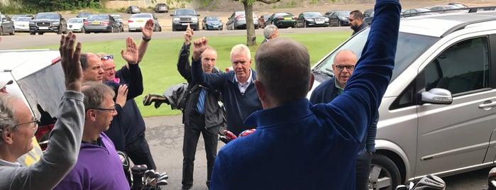 Worplesdon Golf Club is one of Lugares favoritos de Mike.