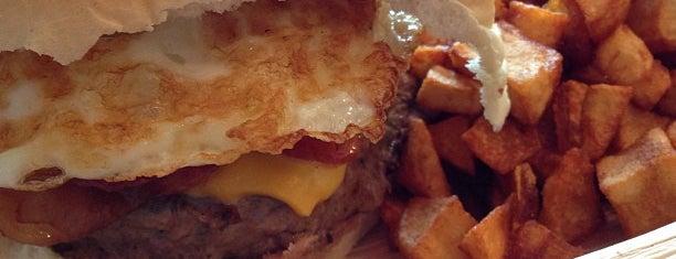 Metro Burger Bar is one of Steve'nin Beğendiği Mekanlar.