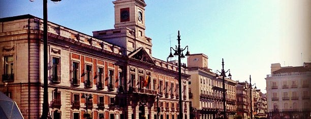 Puerta del Sol is one of Madrid & more 🇪🇸.