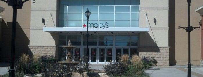 Macy's is one of Orte, die Keri gefallen.