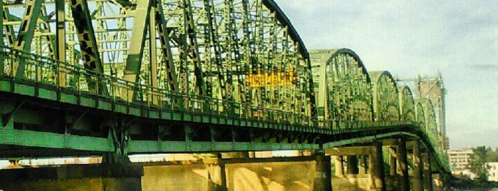 Interstate Bridge is one of Tempat yang Disukai Rosana.