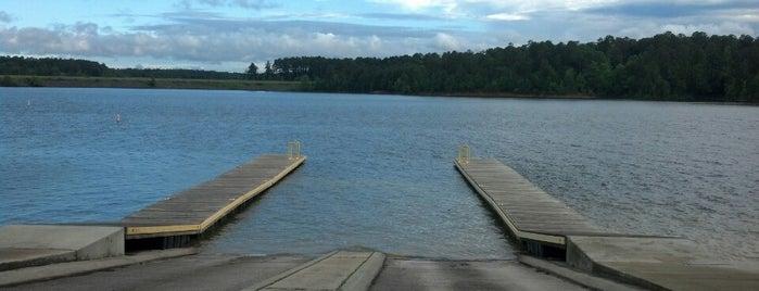 B. Everett Jordan Lake is one of สถานที่ที่บันทึกไว้ของ Jason.